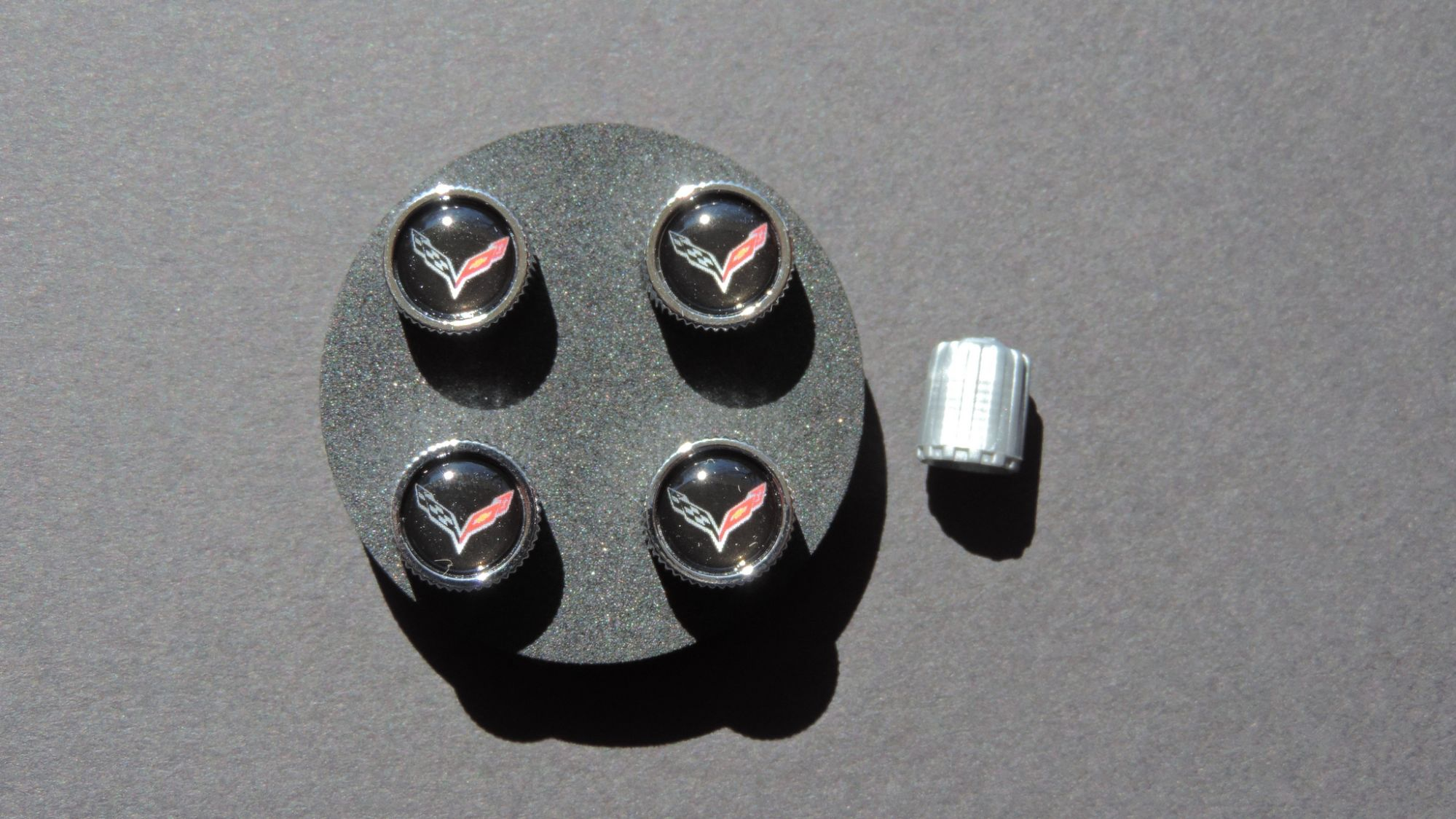 2014-2019 C7 Corvette Valve Stem Cap Kit, GM OEM Part, Black Background w/ C7 Logo